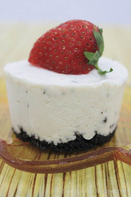 No-bake Oreo Cheesecake Cupcakes http://goodyfoodies.blog...