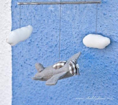 fabric airplane http://francescashabbyhome.blogspot.com/2011/09/parlo-un-po-del-mio-libro-parlo-un-po.html