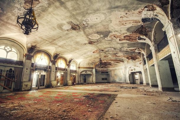 Baker Hotel - Mineral Wells TX Once a hotel for the famous and rich. Bonnie and Clyde once stayed here.