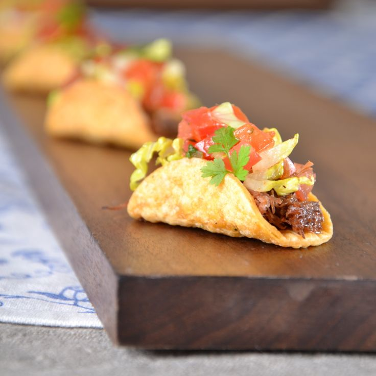 Miniature tacos culinarycapers canape horsdoeuvre for Canape catering