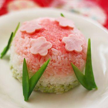 おわんでつくる桃花寿司