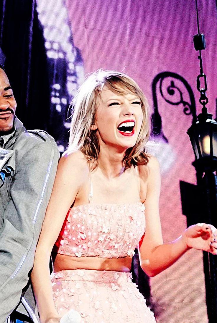 Taylor Swift - 1989 World Tour - Philadelphia, PA. - June 13, 2015.