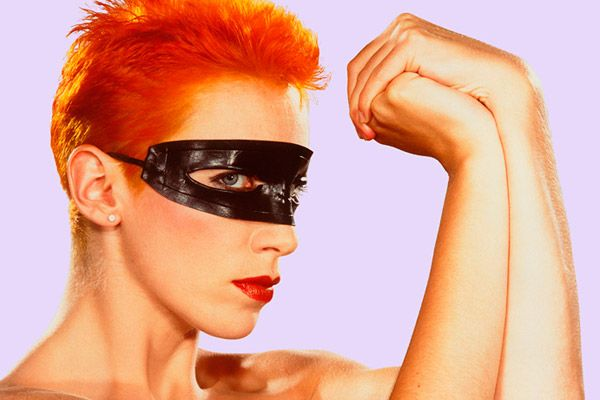 With her bright red hair and her masked look, Annie Lennox was the tough girl with a booming voice throughout the 1980s, fronting mega-hit makers Eurythmics