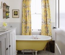 Sarah Richardson's farmhouse bathroom