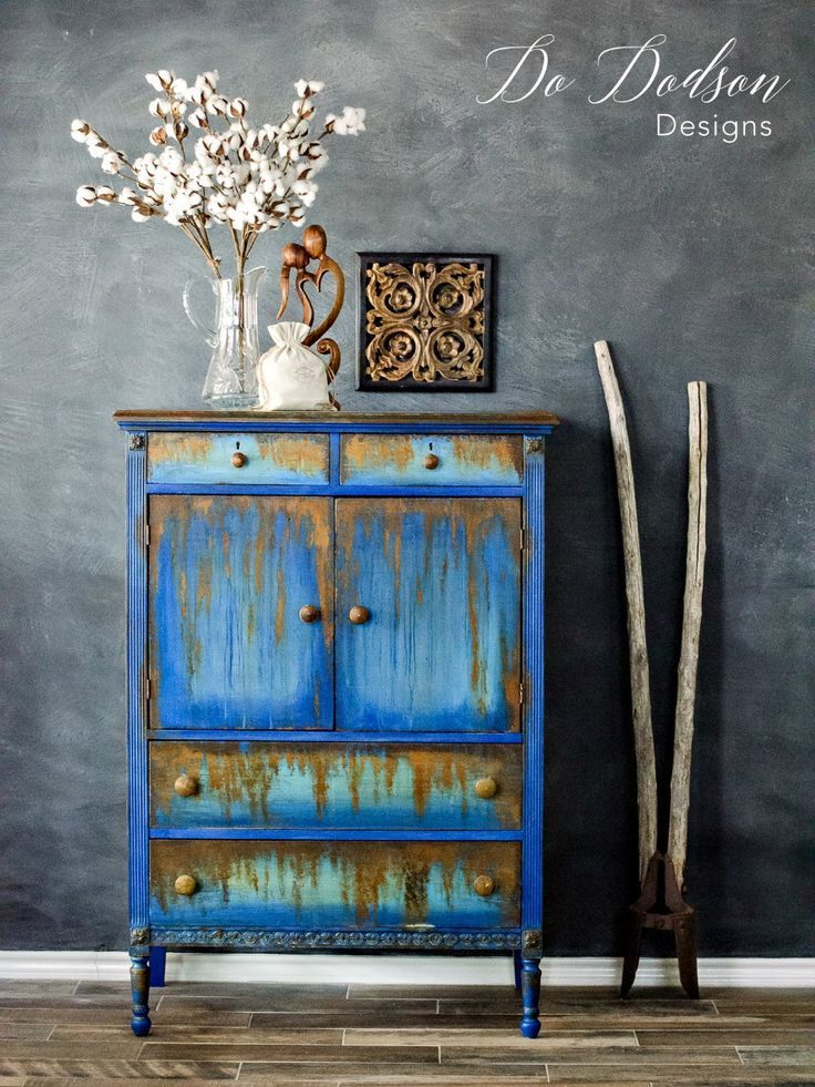How to use oxidizing iron paint on second hand furniture. #furnituremakeover #furnituredesignideas
