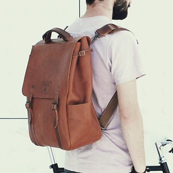 IDEAL&CO - LIVING HERITAGE. Handmade bags and backpacks. Find them at unikstore.com. #unikstore #craftsmanship #handmade #shop #bags