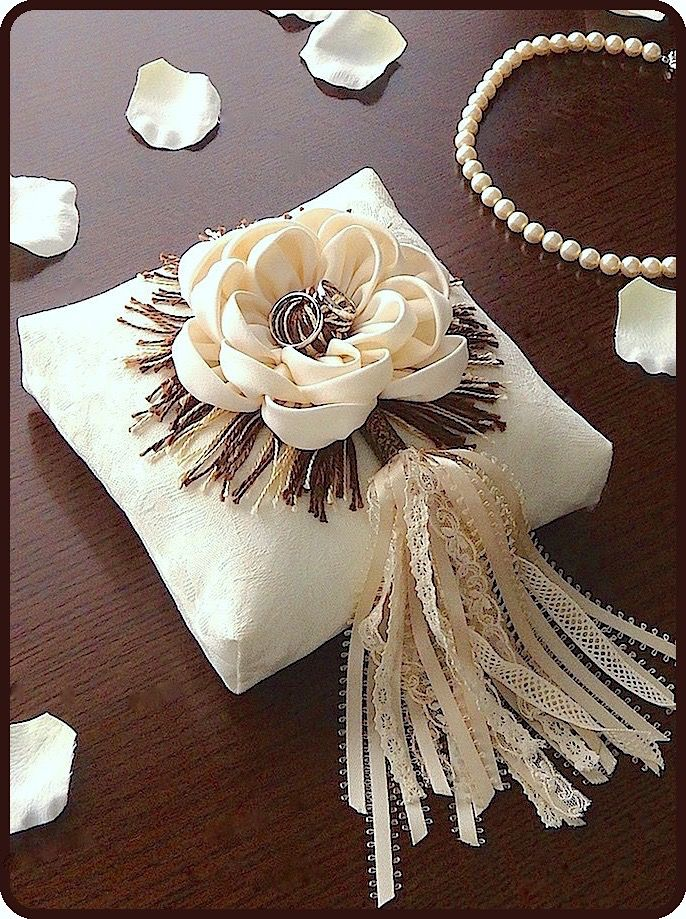 ateliersarah's ring pillow/cloth flower and lace and ribbon tassels