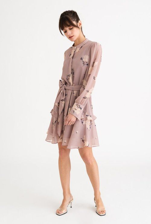 petite-clothing-for-women-uk-upskirts-without-underwear