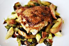 """One Pan Roasted Chicken with Bacon, Brussel Sprouts and Easy Apple Jus Recipe Type: Main Dish Author: [url href=""""http://www.buzzfeed.com/christinebyrne/single-skillet-chicken-thighs-bacon-brussels-sprouts-apples#.fpo56X17P"""" target=""""_blank""""]Buzzfeed.com[/url] Serves: 2 An easy one-pan dinner with..."""