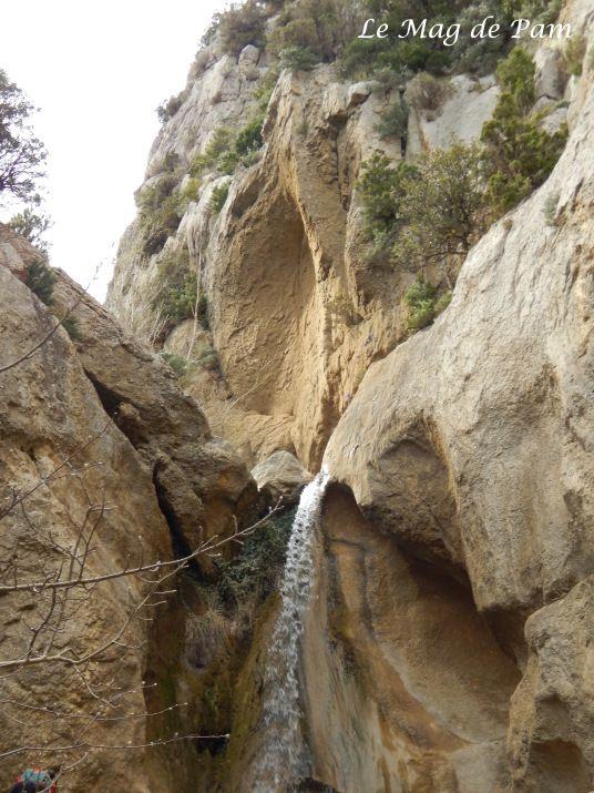 Lafare et sa cascade - Dentelles de Montmirail