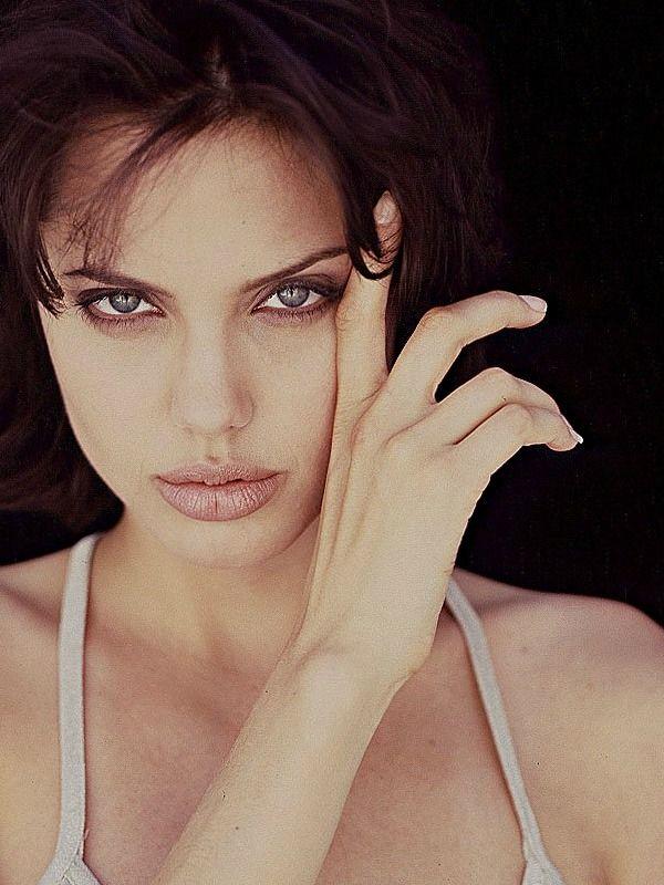 """6b23a34b459a """"Angelina Jolie photographed by Jeff Dunas - 1996 """""""