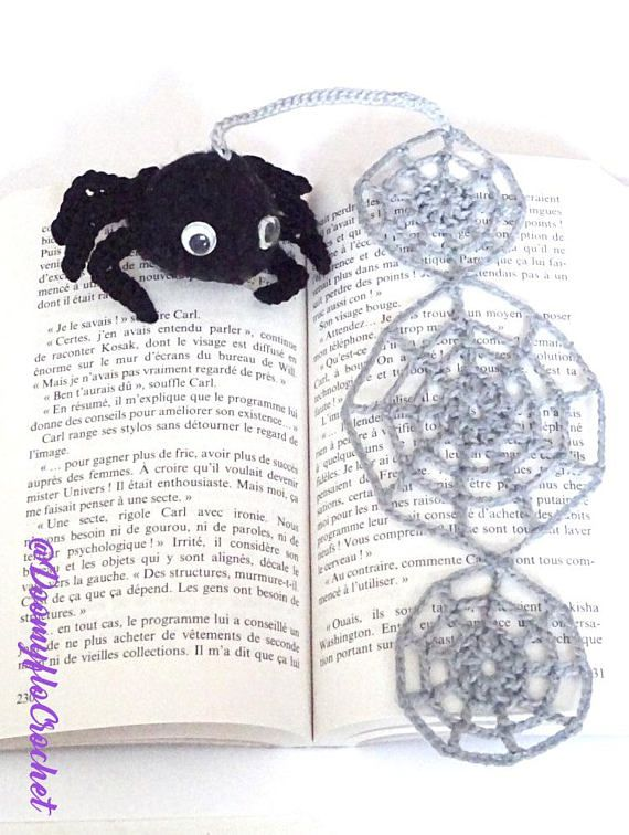 #Halloween #gift #bookmark Marque pages araignée noire et toiles textile coton gris au