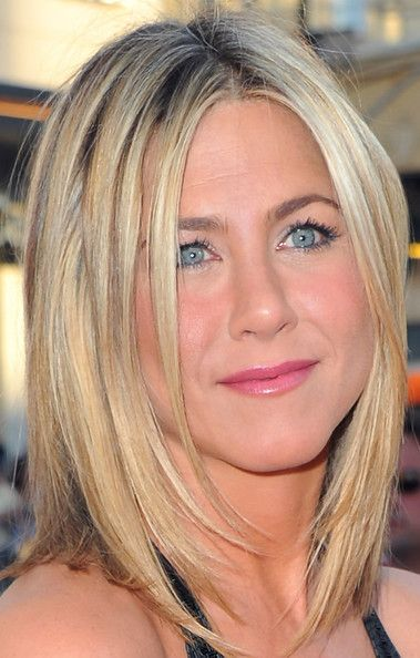 medium length hairMedium Layered, Layered Cut, Hair Colors, Shorter Hair, Jennifer Aniston, Medium Length Hairstyles, Hair Cut, Medium Length Haircuts, Hair Style