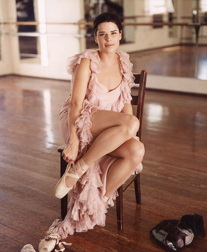 Young Neve Campbell (700×850) #ballet