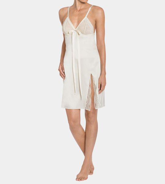 a96d46da18adf5 Koszula nocna Triumph Essence Luxe Dress 10166773   Triumph Online  bieliznazfantazja.pl   damskie koszule nocne   Koszule nocne i Bielizna