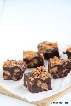 Kruidnoten pure chocolade fudge - Mind Your Feed