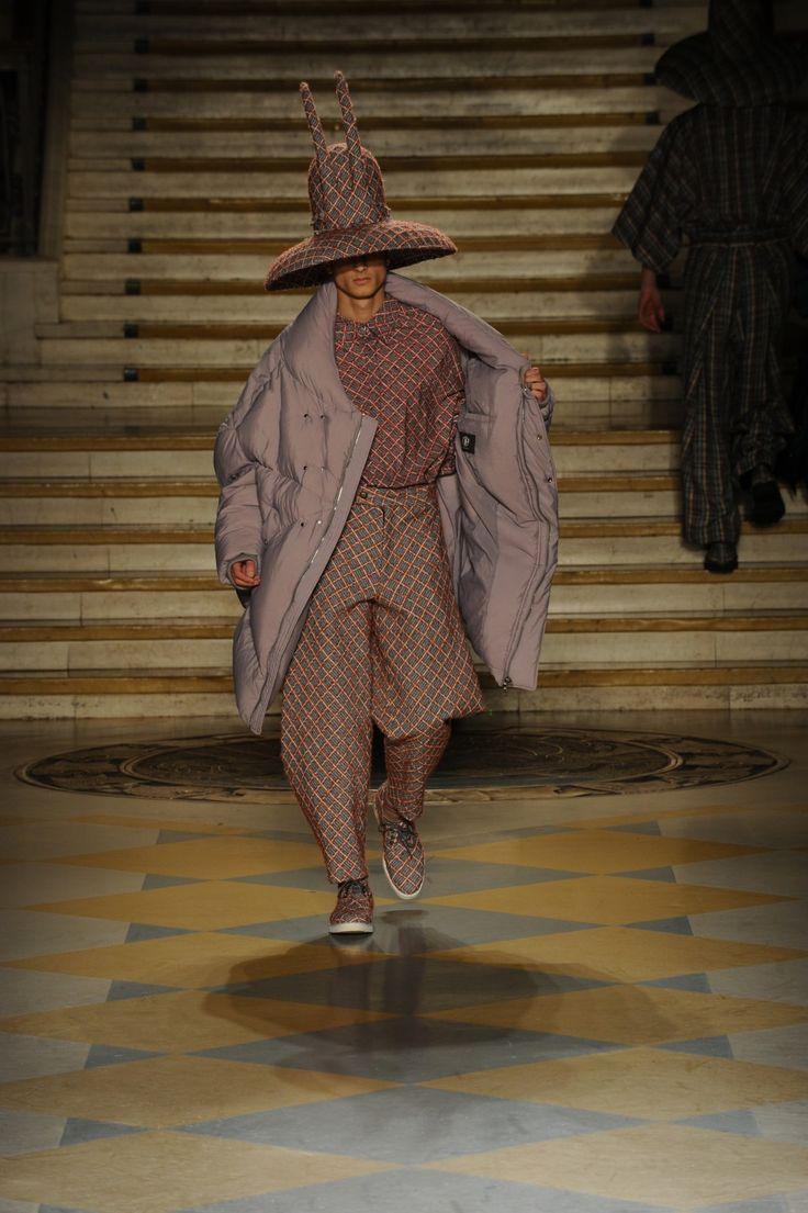 #LCFMA16 #menswear designer Jekeun Cho was inspired by #RobinWilliams Read more https://t.co/QIYyeWmyHS