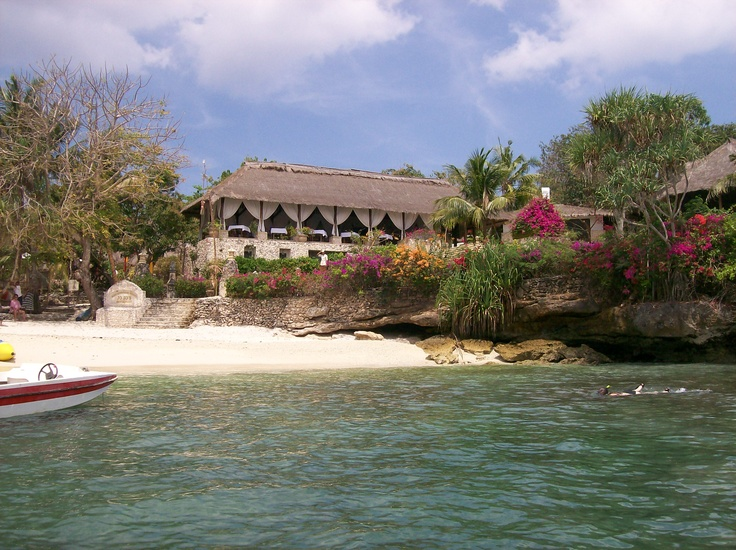 Nusa Lembongan Resort is just across the island, a nice get away resort. One of the best snorkeling place close by.