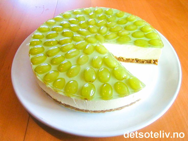 Ostekake med grønne druer
