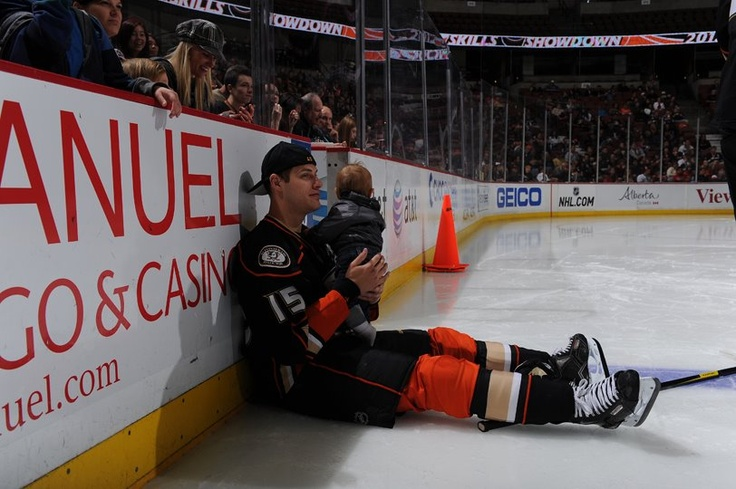 Ryan Getzlaf and his son Ryder This is for Marie since I can't stand Getzlaf!