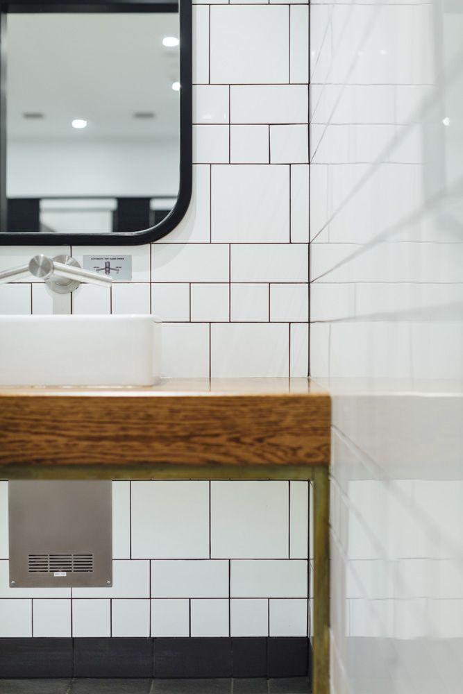 Earp Bros   Bathroom Tiles