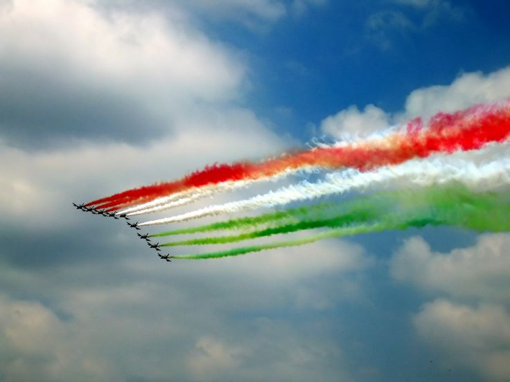 Freedom in the mind, Faith in the words, Pride in our hearts, and Memories in our souls... Lets salute, The Nation on Republic Day.  Le ROI Delhi wishes one and all a Happy Republic Day!!!