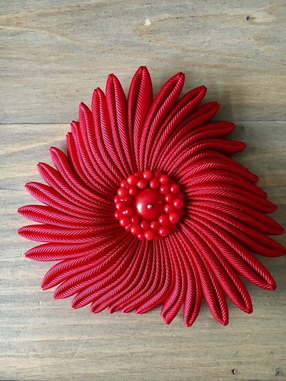 Sea flower brooch  blood moon  Red  bamboo red by RafaPeinador