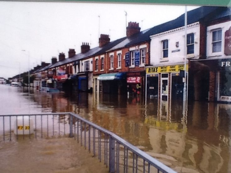 Easter 1998 Flood St Leonard 39 S Road Northampton The Running Shop All About Us Pinterest