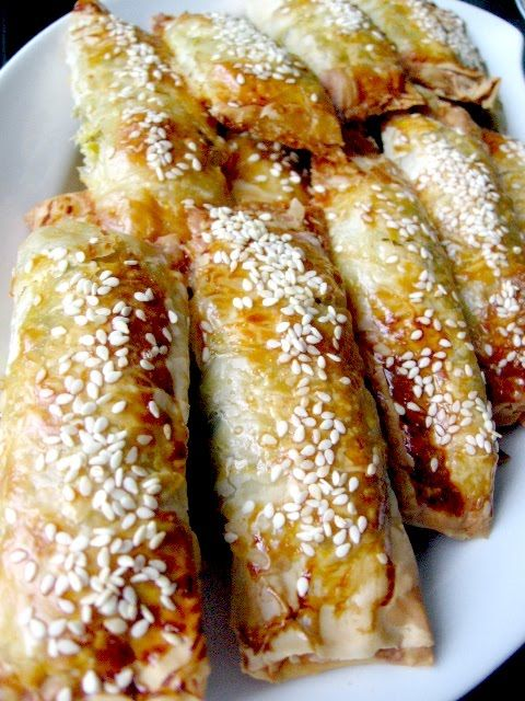 BOREK WITH LEEKS    pinner: This borek is delicious. I definitely suggest it to anyone.Turkish Kitchens, Borek Recipe, Turkish Food, Leek Turkish, Leek Börek, Leek Borek, Food Turkish, Food Recipe, Pirasali Börek