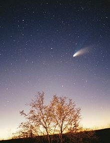 Google Image Result for http://upload.wikimedia.org/wikipedia/commons/thumb/d/df/Comet-Hale-Bopp-29-03-1997_hires_adj.jpg/220px-Comet-Hale-Bopp-29-03-1997_hires_adj.jpg