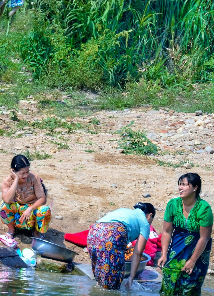 Women doing the wash in the river at Hsipaw #myanmar #hsipaw #trekking #colonialtrain #train