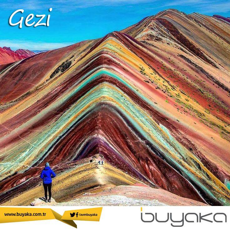 Farklı tonlardaki onlarca kum katmanının oluşturduğu, Peru'nun ünlü gökkuşağı dağları tırmanmayı seven macera tutkunlarının gözdesi. Sizde bu muhteşem doğa olayını görmelisiniz. #BuyakaBiBaşka #Gezi #Doğa #Peru #Dağ