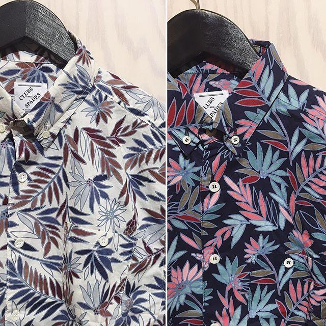 We don't care about the weather! Blommiga skjortor från Clubs & Spades, 500:- och en blir din! 🍍🌴 Kom in och upptäck resten av våren härlig nyheter, vi har öppet till 18! 🤘🏻  #h10market#shoplocal#aruba#ss17#saynotowinter