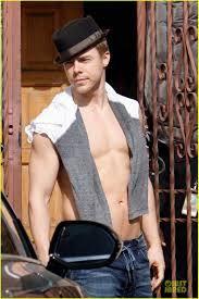 Derek Hough's Shirtless Sexy