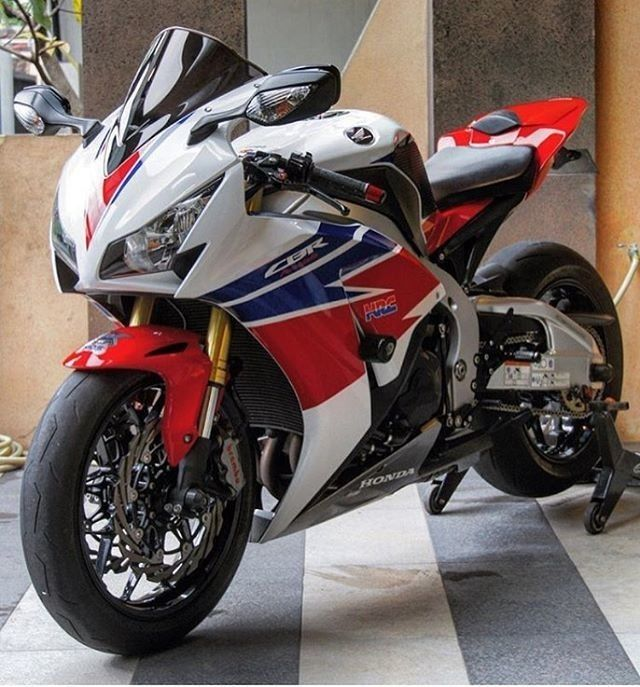 Honda CBR  Follow Motorcycles and More in Facebook https://www.facebook.com/MototcyclesAndMore/