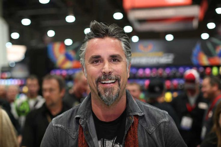 17 best images about gas monkey fast and loud on pinterest richard rawlings discovery. Black Bedroom Furniture Sets. Home Design Ideas