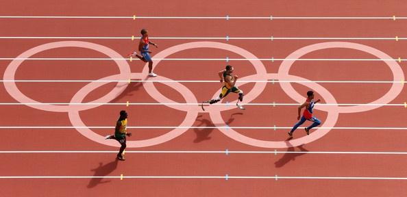Luguelin Santos Photo - Olympics Day 8 - Athletics