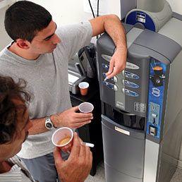 Arriva il rincaro caffè ai distributori (+6%) di uffici, scuole e ospedali: http://www.lavorofisco.it/?p=19046