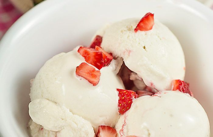 Sugar Free Low Carb Strawberry Cheesecake Ice Cream Recipe