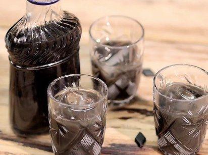 Lakritz Wodka | 4 Süßigkeiten, die Du unfassbar schnell in Schnaps verwandeln kannst