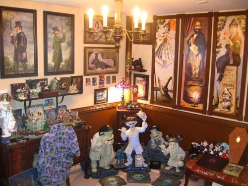 74 best extra bed room haunted mansion images on pinterest for Disney halloween home decorations