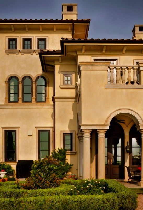 23 best architecture italianate images on pinterest for Classic mediterranean house