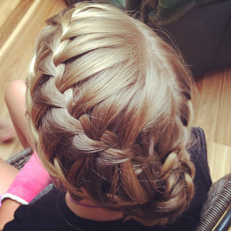Flower girl hair styling by Kristy Gibson from Miss Bliss Hair Boutique. Gold Coast