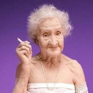 Жанна Кальмон установила мировой рекорд продолжительности жизни — 122 года и 164 дня.Жанна — француженка, она родилась в Орли.Когда построили Эйфелеву башню, ей было 14 лет.В это время она встречалась с Ван Гогом.В 85 лет она занималась фехтованием, а в 100 ездила на велосипеде. Жанна Кальмон в 114 лет снялась в кино, в 115 перенесла операцию на бедре, а в 117 — бросила курить. Когда Жанну на 120-м дне рождения спросили, каким, по ее мнению, окажется будущее, мадам  ответила: «Очень…