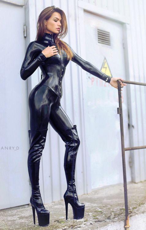 Chikas free nude pix
