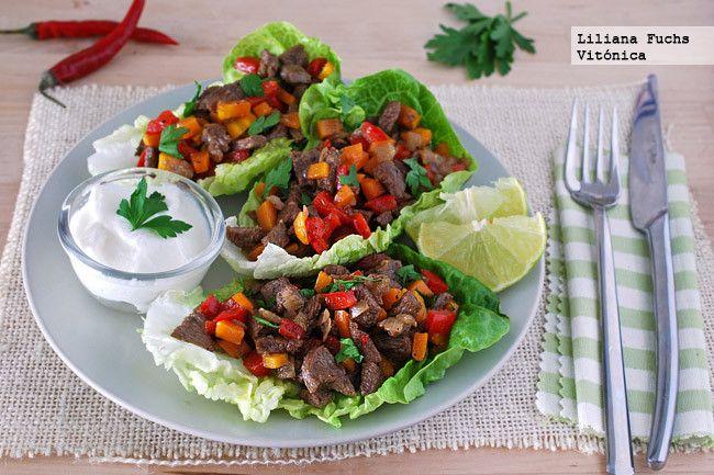 Receta de wraps o tacos de lechuga con de ternera salteada con verduras. Con fotos del paso a paso, consejos y sugerencias de degustación. Receta saludable