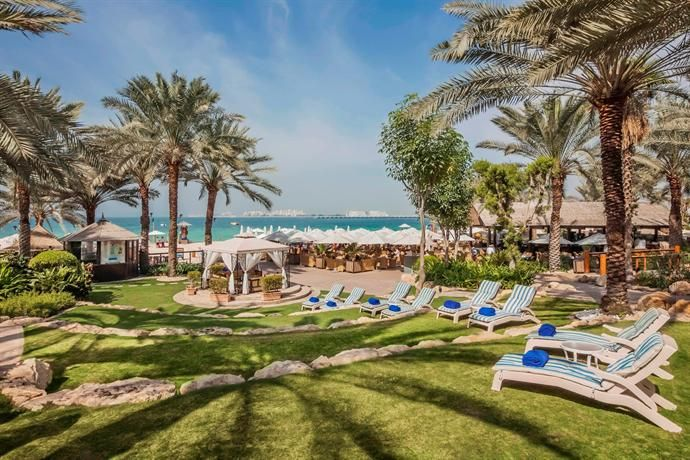 OopsnewsHotels - Hilton Dubai Jumeirah Resort. Featuring free Wi-Fi, a private beach and a swimming pool, the resort is situated in Dubai and presents views of The Walk and Dubai Marina. It offers 5-star accommodation and views of the bay.   Hilton Dubai Jumeirah Resort has a gym with a steam room, cardiovascular equipment and a sauna. Family amenities include a kids club. Guests can also take a dip in the pool and enjoy a beverage at the poolside bar.