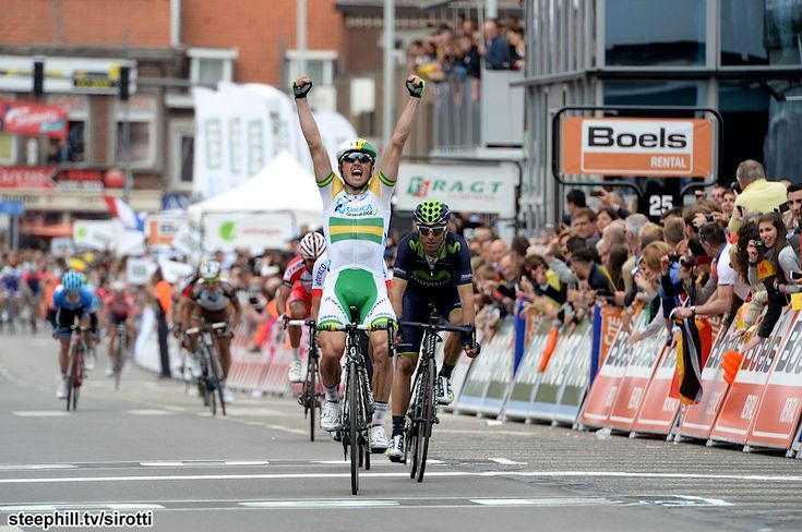 2014 liege-bastogne-liege photos   Simon Gerrans (Orica-GreenEdge) comes to the head of the race at the right time, wins ahead of Alejandro Valverde (Movistar) in Ans
