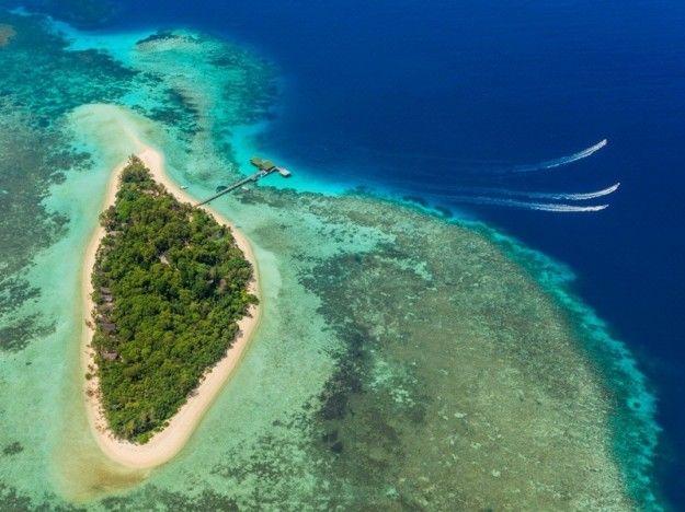 Idea per un viaggio 2016: Lankayan Island Resort - L'isola di Lankayan si trova a largo della baia di Sandakan nel mare di Sulu.