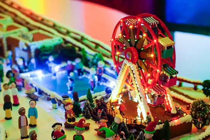HOT: Gingerbread Village by EPICURE, Melbourne Town Hall, cnr Little Collins & Swanston Streets, Melbourne http://tothotornot.com/2017/12/gingerbread-village/